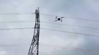 RTE-utilise-des-drones-pour-verifier-ses-pylones-electriques