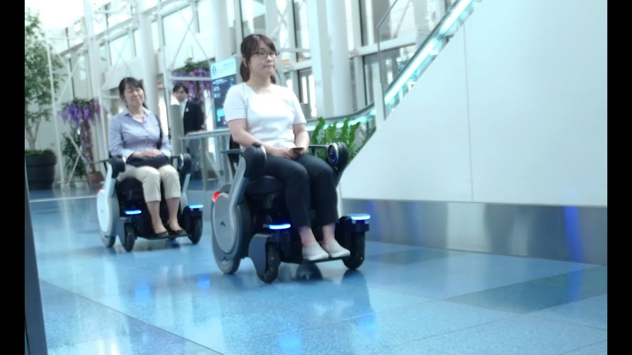 Robotic-Electric-Wheelchair-WHILL-NEXT-LinkRay-Signage-Hospitality-Solutions-at-Haneda-Airport
