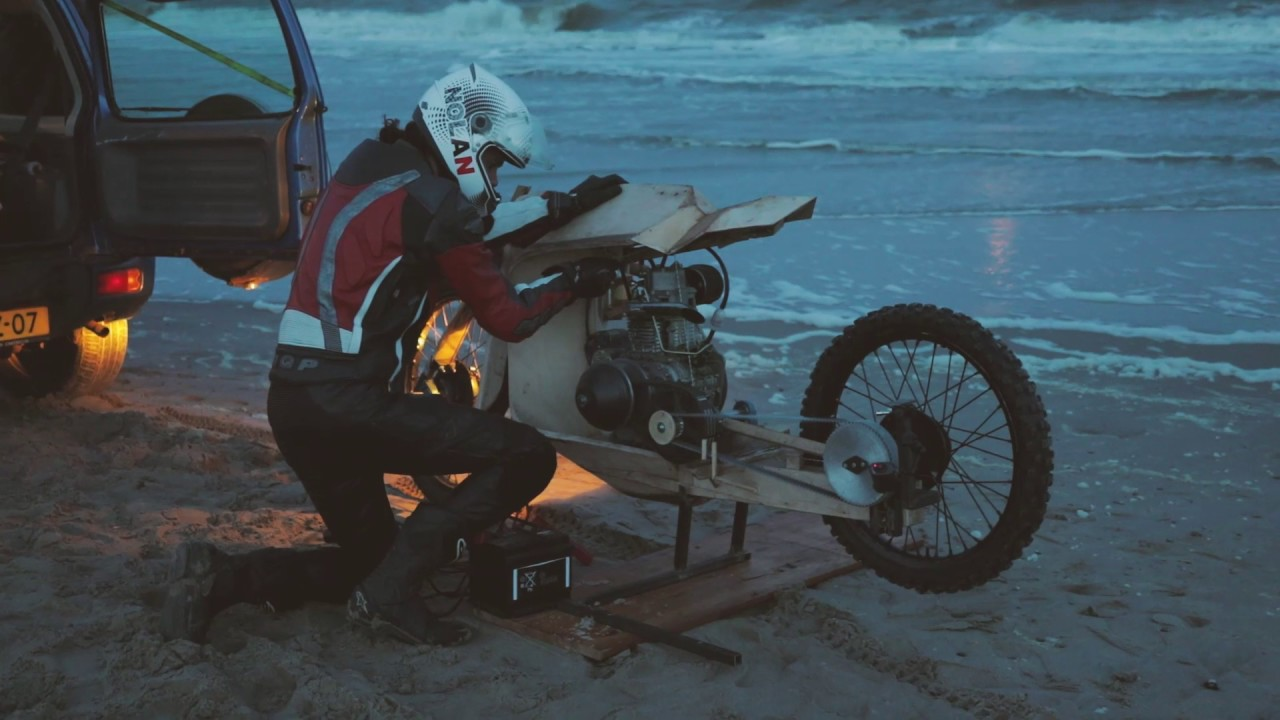 Wooden-Motorcycle-That-Runs-On-Algae-Oil-english-subs